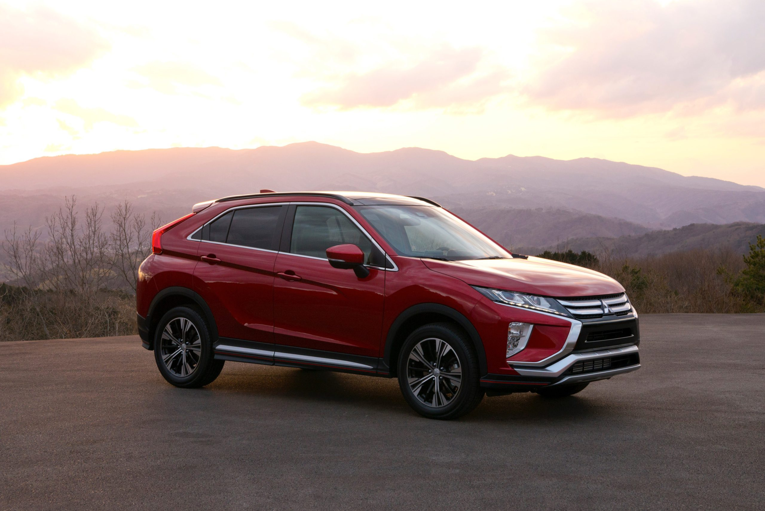 ECLIPSE CROSS EARNS TOP 5-STAR RATING FOR COLLISION SAFETY PERFORMANCE IN FY2018 JNCAP